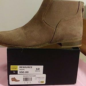 New Dr. Scholl's taupe suede fashion boot